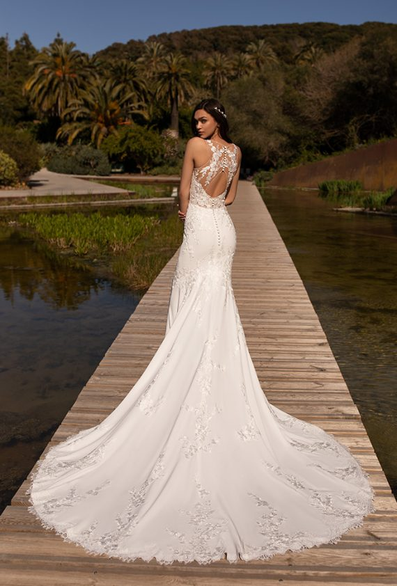 Pronovias Crepe Wedding Dress