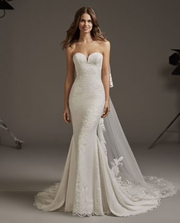 wedding dress by Pronovias